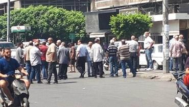 المتقاعدون قطعوا الطريق عند إشارة المئتين في طرابلس