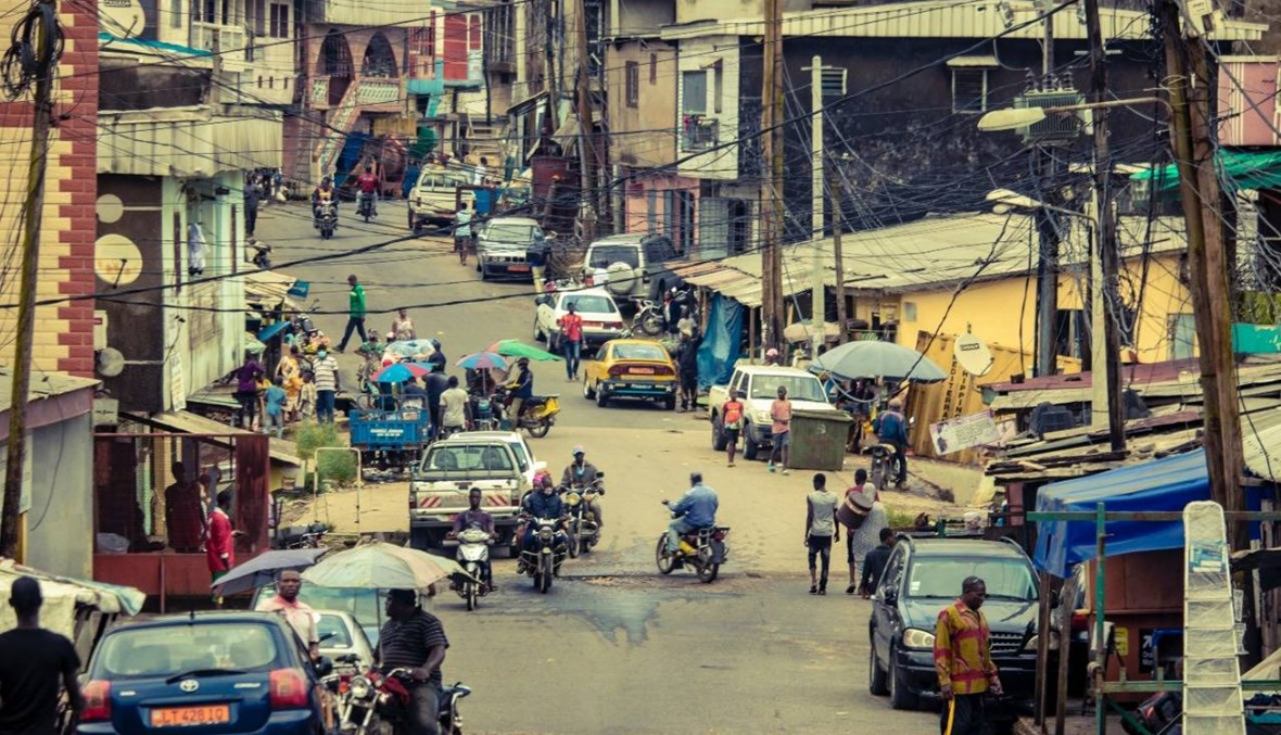 الكاميرون: مسلّحون ينفذون هجوماً على مخيّم للنازحين شمالاً... مقتل 13 شخصاً
