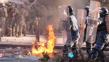الجيش: إصابات بين العسكريين خلال احتجاجات بيروت وتوقيف مشاغبين قاموا بعمليات تخريب