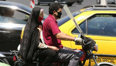 إيران تغلق صحيفة بعد تشكيك خبير في الأرقام الرسميّة حول حصيلة كورونا
