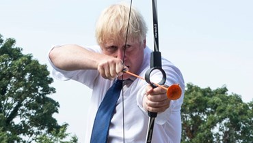 """جونسون: محاولات عبور المانش إلى بريطانيا """"غبيّة وإجراميّة"""""""