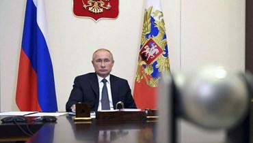 روسيا أول من يجيز لقاحاً لكورونا رغم تشكيك العلماء