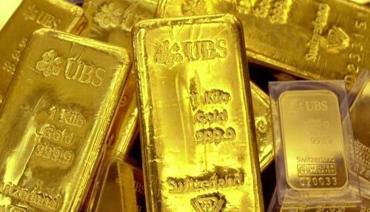 الذهب ينزل دون 1900 دولار مع صعود الدولار
