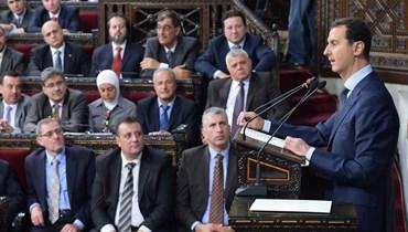 الأسد يقطع كلمته لدقائق بسبب انخفاض ضغط الدم