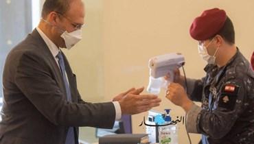 وزير الصحة اتصل ببرّي وأطلعه على خطورة الوضع الصحّي نتيجة تفشّي كورونا