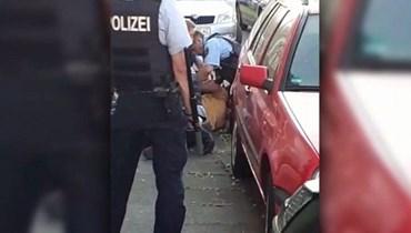صدمة في ألمانيا بعد واقعة  تشبه احتجاز الأميركي جورج فلويد