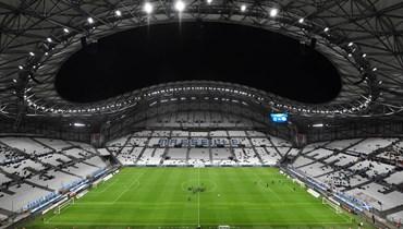 كورونا يلقي بظلاله على عودة عجلة الدوري الفرنسي إلى الدوران