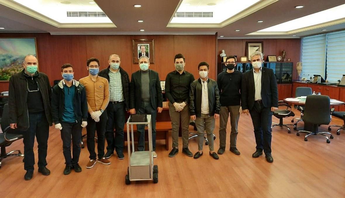 الروبوت الأول من نوعه في لبنان لمرضى كورونا في مستشفى الحريري الجامعي