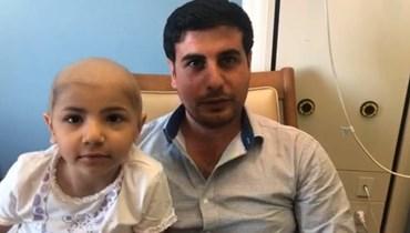 """يسمى الشجاعة تواجه سرطان الدم هل ينقذ نقي العظام من والدها جسمها الصغير؟ … تابعونا مباشرة عبر فايسبوك """"النهار"""""""