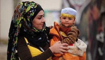 غاليري أليس مغبغب تقدم أول معرض صور على الانترنت: اللاجئ بعدسة هدى قساطلي يُغني لأحلام رحلت وأخرى دُفِنَت!