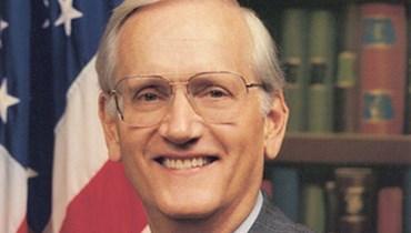 مضاعفات مرض في القلب... وفاة مدير مكتب التحقيقات الاتحادي الأميركي السابق وليم سيشنز