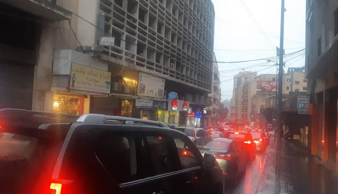 زحمة خانقة من بشارة الخوري في اتجاه وسط بيروت (صور وفيديو)