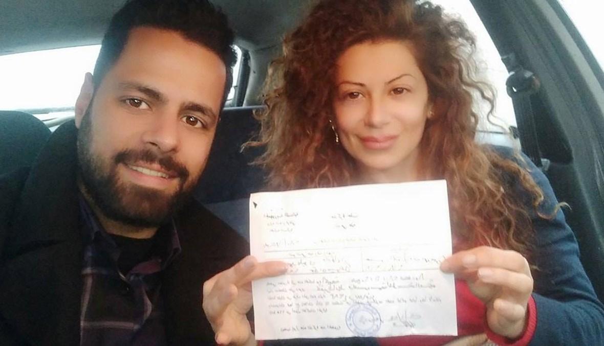 """المحكمة العسكرية تستدعي الناشطة ملك عليوي بسبب صورة... """"دعوى ارفعي راسك فيها"""""""