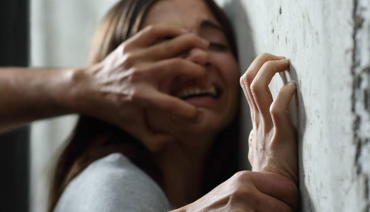 استغلّ غياب والدتها عن المنزل واعتدى عليها... قاصر في غزير ضحية وحش بشريّ