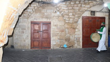 مسحراتي شهر رمضان في صيدا حاضر في قلب المدينة القديمة بعكس الحكواتي والزوايا الصوفية (صور)
