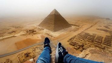 بعد مفاوضات 12 ساعة... انتحار شاب مصري بالقفز من قمة الهرم
