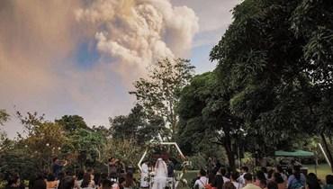 بركان في الفلبين ينفجر مرحّباً بعهود الحب