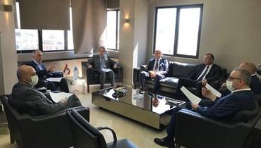 وزني: للإسراع في العمل بمرفأ طرابلس