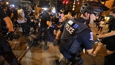 شرطة ويسكنسن تطلق النار على رجل أسود: احتجاجات وفرض حظر تجوّل... وتحقيق