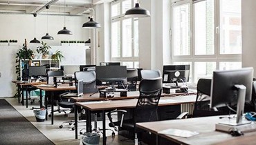 المديرون التنفيذيون يسرعون وتيرة التوسع الرقمي وخفض المساحات المكتبية
