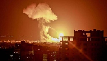 قصف إسرائيلي على غزة بعد ساعات على وصول السفير القطري إلى القطاع