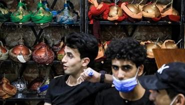 """زوار كربلاء في شهر محرم يحملون """"الثورة"""" في أدعيتهم ويطالبون بالعدالة"""
