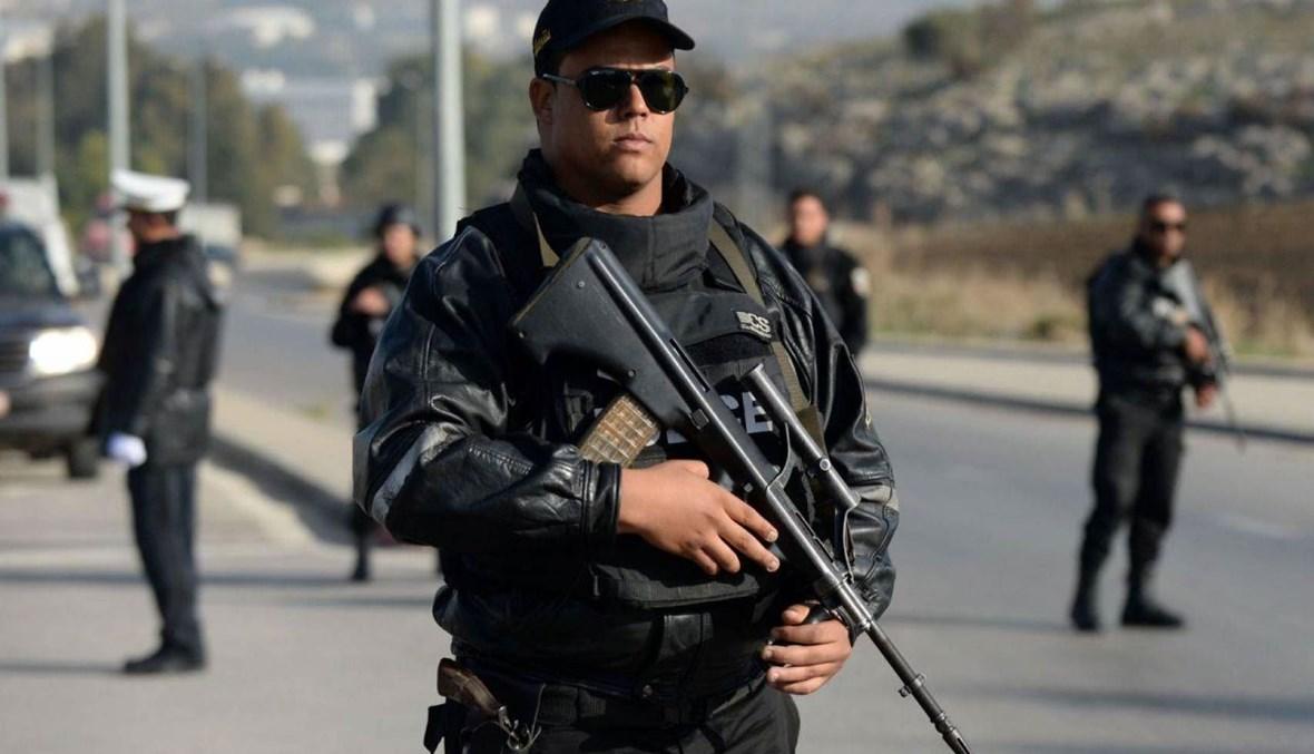 شرطي تونسي (أ ف ب).