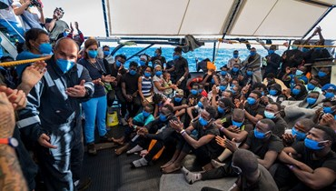 إنقاذ ثلاثة مهاجرين قبالة سواحل مالطا قفزوا من ناقلة عالقة في البحر
