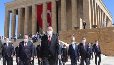 """الأزمة بين تركيا واليونان... إردوغان يدعو الاتحاد الأوروبي إلى البقاء على """"الحياد"""""""
