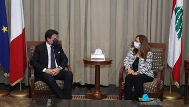 عكر استقبلت كونتي في المطار ونوّهت باستجابة إيطاليا السريعة لمساعدة لبنان
