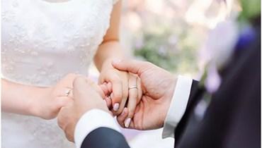"""برغم ويلات الأزمة الاقتصادية... تعرّفوا كيف """"تنقّطون"""" العروسين بأسعارٍ معقولة!"""