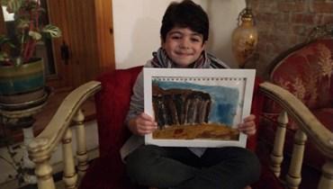 """طفلٌ لبنانيٌ مغترب يرسم إهراءات المرفأ: """"أرى صور بيروت في عقلي"""" (فيديو)"""