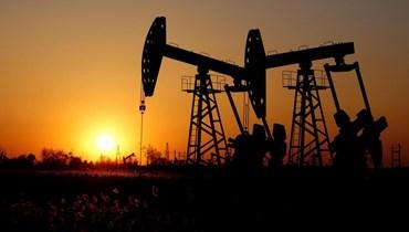أسعار النفط تغلق منخفضة أكثر من 3% بفعل تجدد الإغلاقات