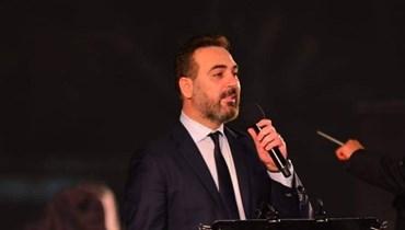 """وائل جسار ينسى كلمات """"مليون أحبك"""" خلال حفل الموسيقى العربية... """"كورونا السبب"""" (صور)"""