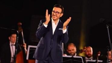 """في ختام مهرجان الموسيقى العربية... صابر الرباعي يُهدي جمهوره """"طول حياتي"""" (صور)"""
