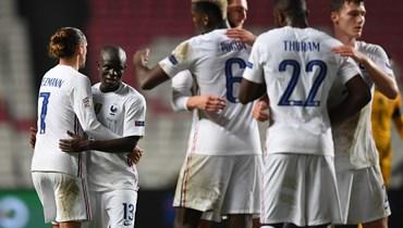 فرنسا أول المتأهلين وألمانيا تتصدر أمام إسبانيا قبل قمتهما الحاسمة
