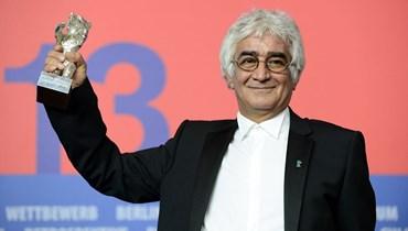 """""""من المؤثرين في السينما الإيرانية""""... وفاة """"السيناريست"""" كامبوزيا برتوي بعد إصابته بكورونا"""