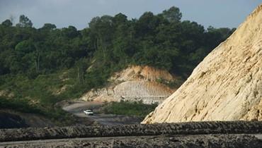 حمّى الفحم تصيب جزيرة بورنيو الإندونيسية