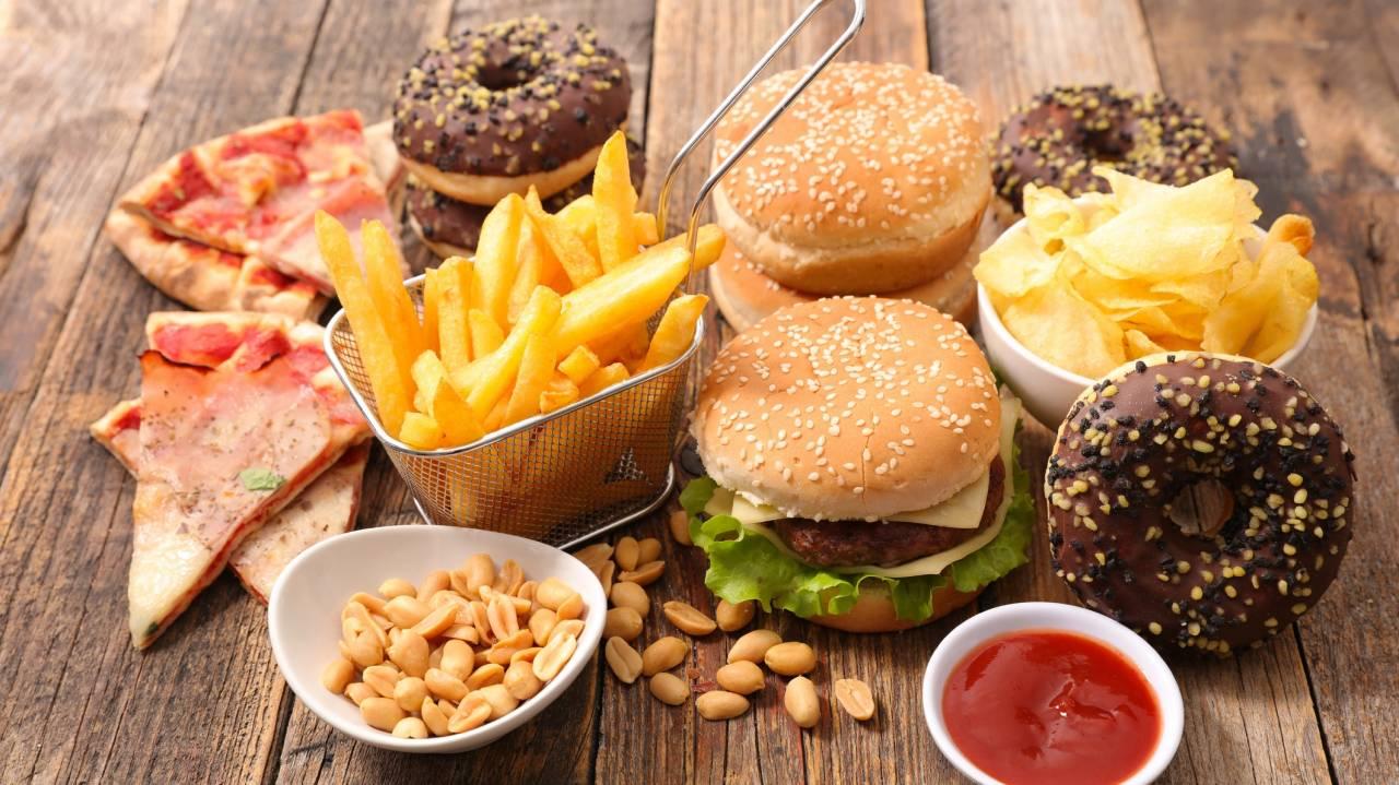 الغذاء والسرطان هل تغذي بعض الأطعمة الأورام النهار